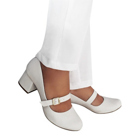 da75e40f1d Sapato Branco Enfermagem Salto Feminino Bonecas - Sapatos no Mercado ...