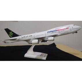Miniatura Avião Malaysia Airlines Boeing 747-400