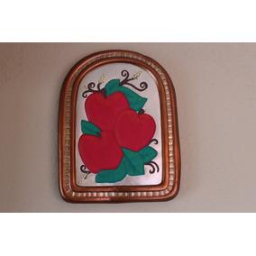 Cuadro De Cerámica Con Manzanas