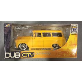 Jada Dub City Old Skool 1957 Chevy Suburban