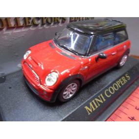 Road Signature 1/43 Mini Cooper S 2012