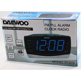 Reloj Radio Despertador Daewoo Di978 Fm Cargador Usb Celular