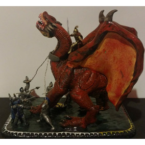 Escultura De Dragón Hecha A Mano