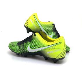 Chuteira Asics Profissional - Chuteiras Nike para Adultos no Mercado ... 12aebd3f82448