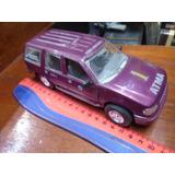 Amt 1/25 Plastico Ford Explorer 1996 Marrón