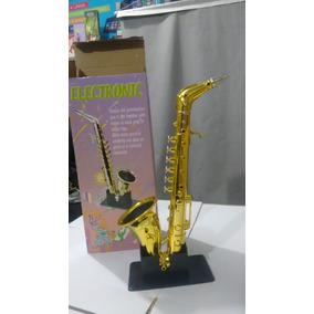 Saxofone Brinquedo Ou Enfeite