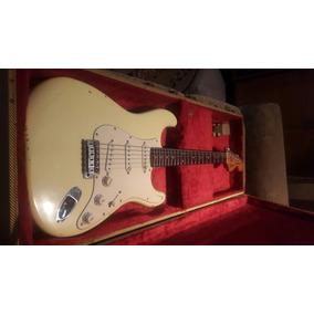 Fender Stratocaster 1977(8)