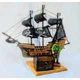 Escena Náutica Barco Pirata Y Cofre Del Tesoro