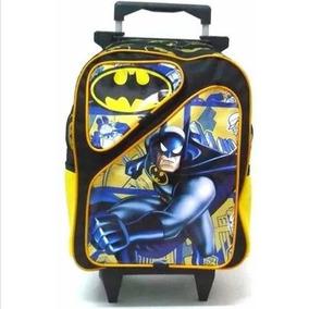Mochila Infantil Batman 2 Bolsos Rodinhas Meninos Tam G F1