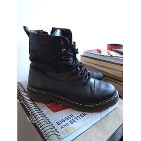 4d026ac71ec38 Mostruario Loja Canelado Botas - Sapatos Femininos, Usado no Mercado ...