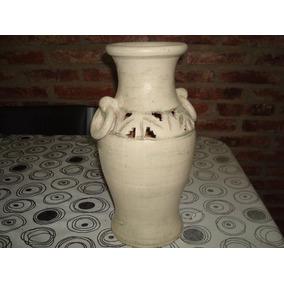 un jarron antiguo de ceramica - Jarrones Decorativos