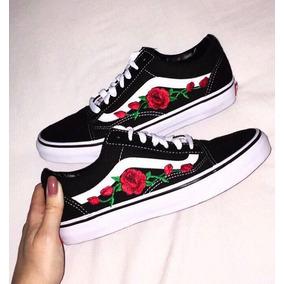 vans con rosas bordadas