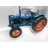 Universal Hobbies 1/32 Tractor Fordson Power Major Excel!!!