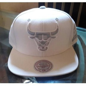 61ea2efd4052b Gorros Chicago Bulls Hardwood Classics Snapback - Gorras en Mercado ...