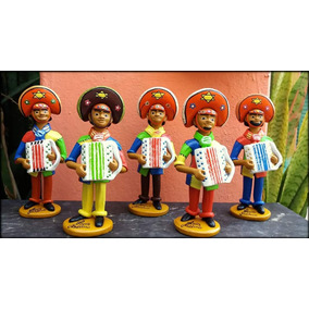 Boneco Sanfoneiro Feitos De Barro. 20 Cm.