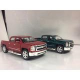Chevrolet Silverado 2014 Escala 1/46 Kinsmart Metal
