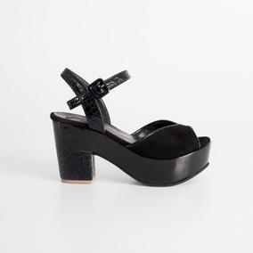 Sandalia Con Plataforma. Art Taburi Negro. Otro Calzado