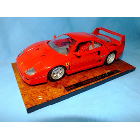 Burago - Ferrari F40 1987 - Escala 1/18 - Serie Executive
