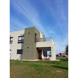 Moderna Casa Frente Al Lago En Club De Campo En Brandsen