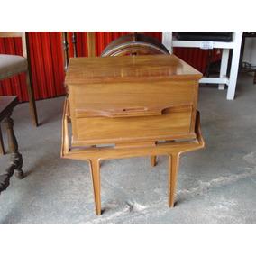 Mesas de luz dise o muebles antiguos en buenos aires for Muebles antiguos argentina