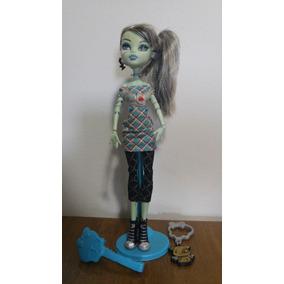 Monster High Frankie Stein - Passeio No Shopping