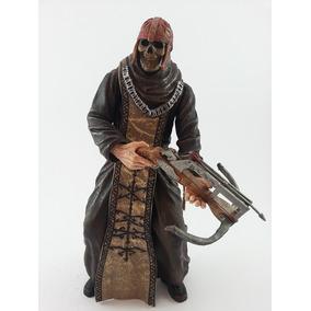 Boneco Los Iluminados Monks - Resident Evil 4 - Neca Versão
