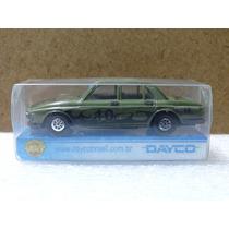 Bmw 305 - Pevi Dayco - 1:64 - Verde 10 - Plástico Duro