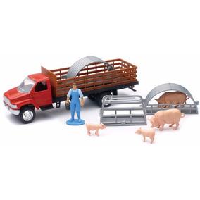 1:43 Camion De Granja Con Redilas Cerdos Y Granjero A Escala