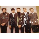 Fotografía Autografiada Por Todo El Grupo One Direction