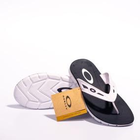 Sandálias e Chinelos Oakley Tamanho 37 37 no Mercado Livre Brasil 2d256eb8fb