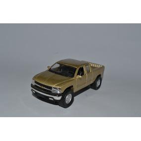 Miniatura Chevrolet Silverado 1999 1:48 Maisto
