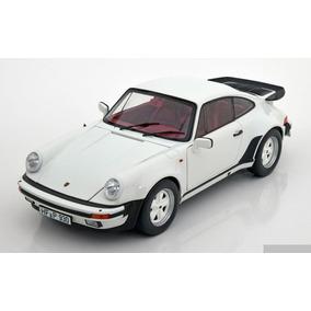 Porsche 911 Turbo 3.3 1976 A Escala