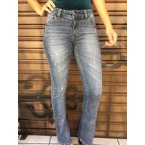 Calça Flare Jeans Com Botão Atrás Revanche