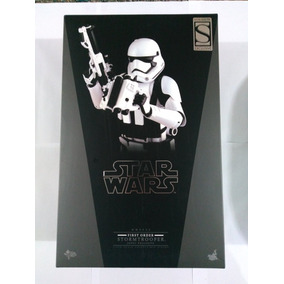 Stormtrooper Jakku Exclusive (first Order) - 1/6 - Hot Toys