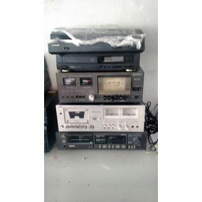 Diversos Modelos De Aparelhos Antigo E Caixas De Som