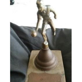 Antiguo Trofeo En Bronce