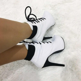 Bota Ankle Boot Salto Fino Branca Com Black