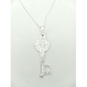 Elegante Dije De Llave Con San Benito Diamantada De Plata925