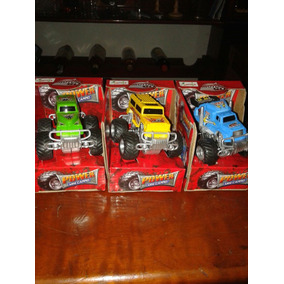 Carro Kit Com Três Carros Coleção.