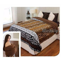 Cobertor Con Borrega Serengueti King Size Rx