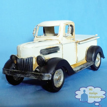 Camioneta Pickup Clasica Escala Vintage Retro Metal Retrato