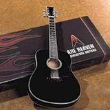 Replica En Miniatura De Guitarra Acustica Negra