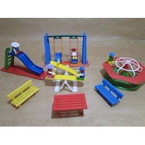 Miniatura Parquinho Com Bonecos Tipo Peppa Playmobil Lego