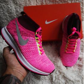 3d59ad42c8c Lindas Botas De Gamusita Rosa - Tenis Nike para Mujer en Mercado ...