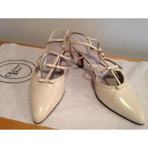 Tacones Beige De Punta Christian Dior (talla 8.5)