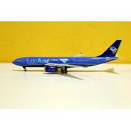 Miniatura Avião Phoenix 1:400 Azul Airbus A330-200 Tudo Azul