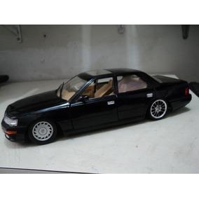 Miniatura Lexus 1/18 Rebaixado