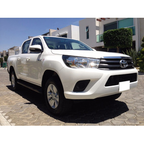 Impecable Camioneta Toyota Hilux 2016