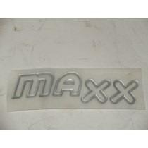 Par Emblema Adesivo Maxx Celta Corsa Prisma Prata Vazado