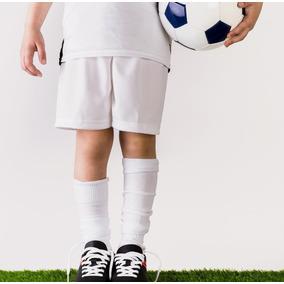 Dona Un Campeonato De Fútbol/celebración Día Del Niño